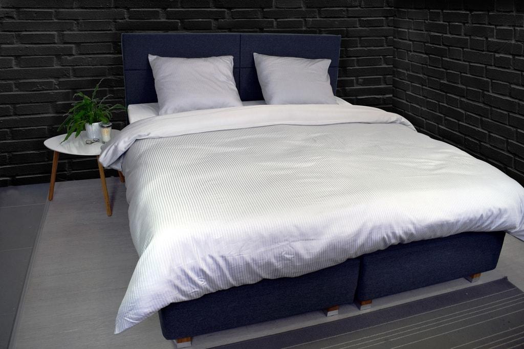 Vandyck Luxusní saténové povlečení VANDYCK Purity stripe grey - 140x200-220 / 60x70 cm