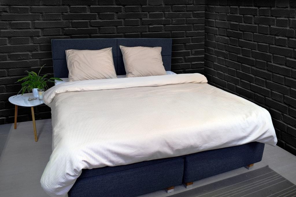 Vandyck Luxusní saténové povlečení VANDYCK Purity stripe stone - 140x200-220 / 60x70 cm